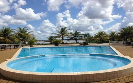 Отели Суринама